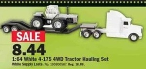 1:64 White 4WD Tractor Hauling Set