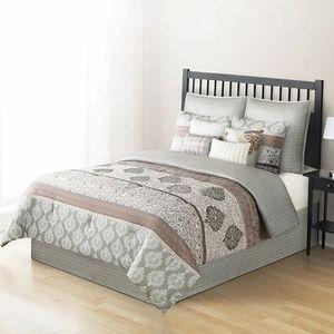 Home Classics 10-PC Reversible Bedding Set (Queen)