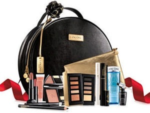 Lancome Le Parisian Holiday Set - Only $59.50 with any Lancome purchase