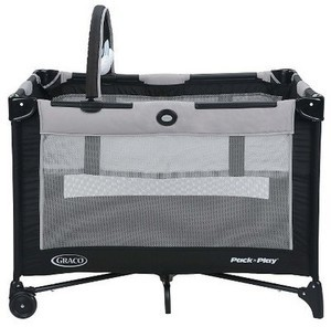 Graco Pack 'n Play Playard On The Go Graco Pack 'n Play Playard On The Go