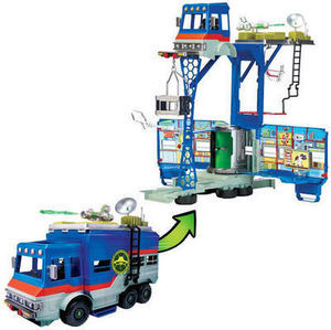 Ben 10 Deluxe Rustbucket Transforming Vehicle to Play Set